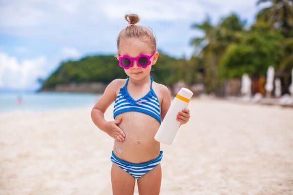 El sol es uno de los principales factores del envejecimiento de nuestra piel.
